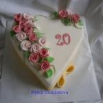bílé srdíčko s růžičkami