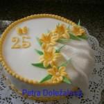kulatý bílý + žluté lilie