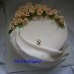 Svatební s růžičkami