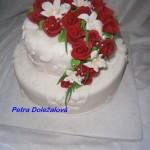 Jednoposchoďák s plastickou krajkou s růžemi